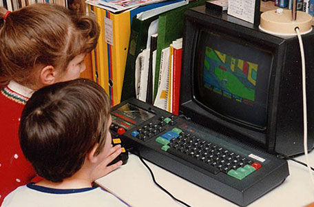 Máy tính cá nhân đầu tiên Niềm vui vỡ òa trong cuộc sống