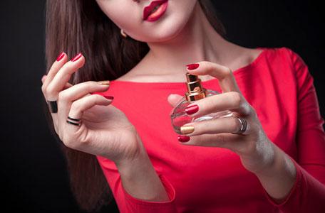Mùi nước hoa quyến rũ người đàn ông nhất là mùi phụ nữ